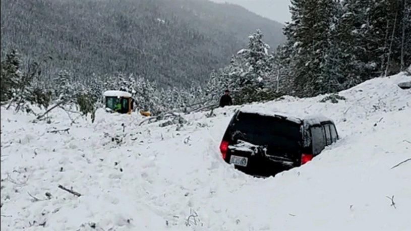 Avalanche conditions termed 'extreme', Lake County Sheriff warns 'no travel'