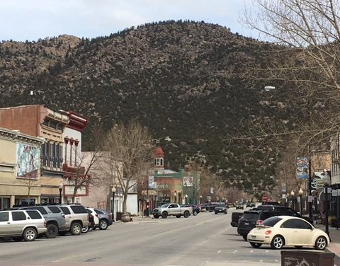 Buena Vista Trustees Approve Temporary Outside Dining-Retail Spaces in Town